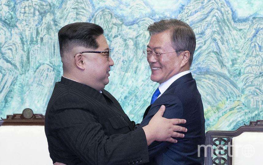 По словам южнокорейского лидера, он договорился с северокорейским коллегой о том, что их цель – это полная денуклеаризация Корейского полуострова и она будет достигнута. Фото AFP