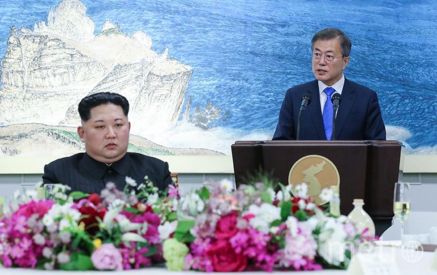 Ким Чен Ын и Мун Чжэ Ин. Фото AFP