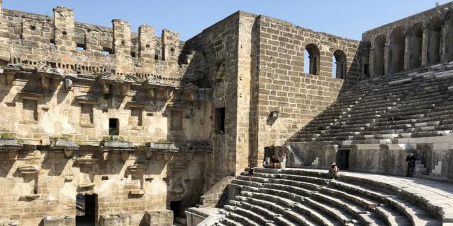 Античный амфитеатр.