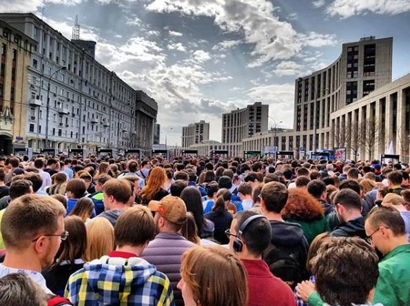 Роскомнадзор с 16 апреля начал блокировать Telegram. Фото https://www.instagram.com/robotoleg/
