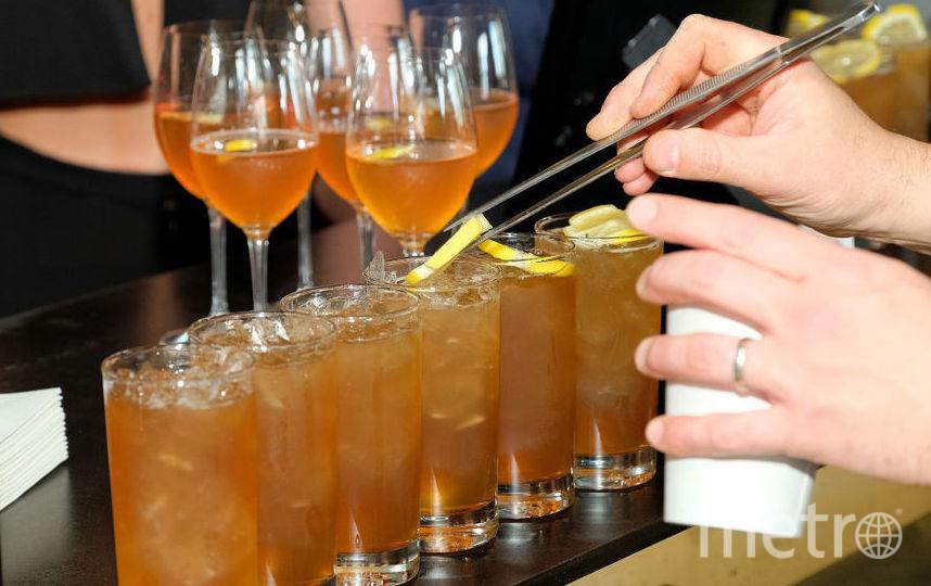 Самые пьющие профессии— врачи, юристы иучителя