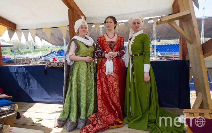 """Все костюмы дамы шьют вручную, чтобы платья были аутентичными, как в старину. Фото Василий Кузьмичёнок, """"Metro"""""""