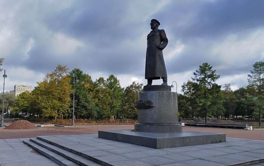 Памятник маршалу Георгию Жукову в Московском парке Победы. Фото Яндекс.Панорамы