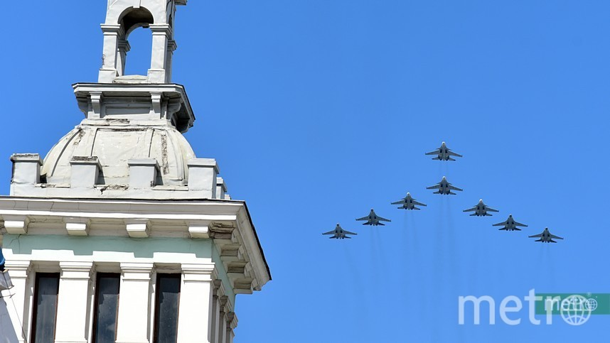 Пролёт авиации перед парадом Победы. Фото Василий Кузьмичёнок