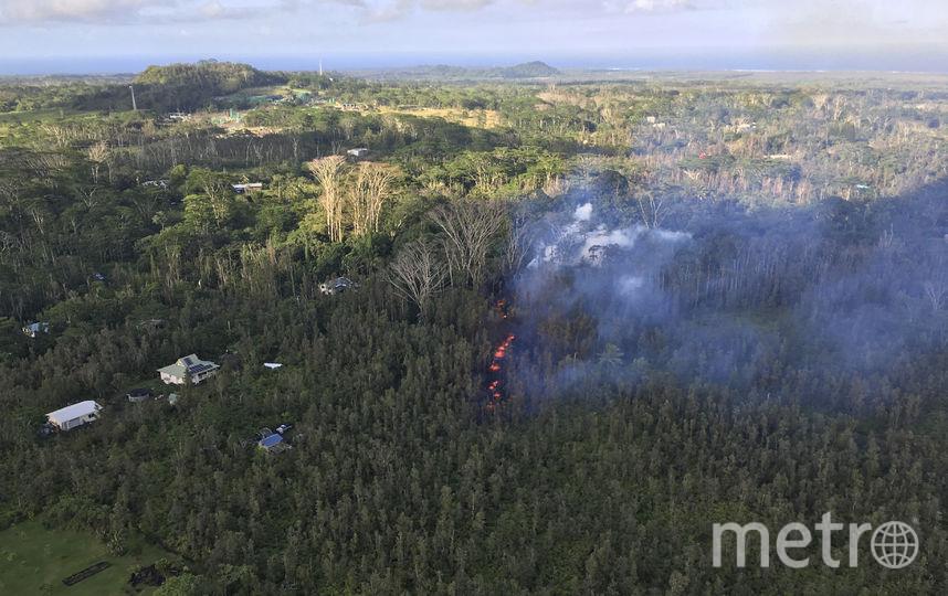 Вулкан Килауэа расположен к юго-востоку от более высокого вулкана Мауна-Лоа и находится практически на его склоне. Фото AFP