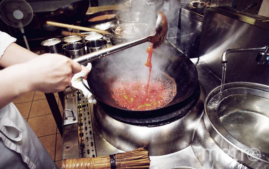 Делаем соусы. Фото iStock.