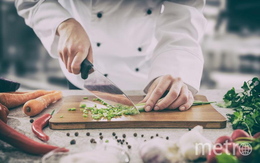 Работа с ножом. Фото iStock.