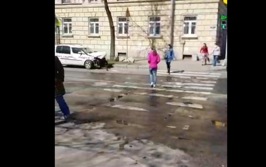 В результате ДТП сильно пострадал ребенок. Фото Скриншот видео.
