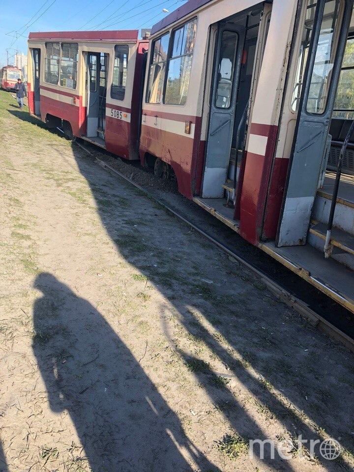 Трамвай сошёл с рельсов в Петербурге: Фото. Фото ДТП и ЧП | Санкт-Петербург | Питер Онлайн | СПб, vk.com