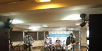 Рок-группа сыграла в метро