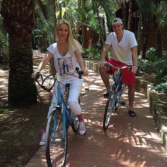 Лера Кудрявцева с Игорем Макаровым. Фото www.instagram.com/igor_makarov82