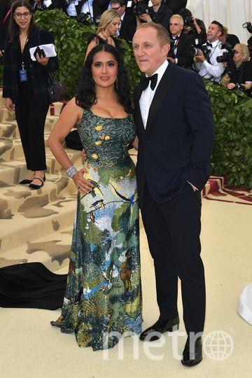 Met Gala-2018. Сальма Хайек с мужем Франсуа-Анри Пино. Фото Getty