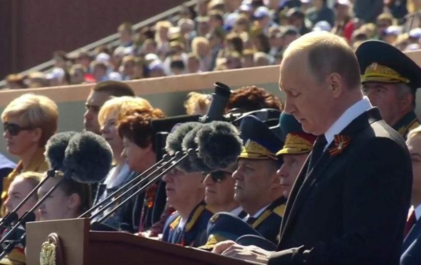 После Парада Победы произошел инцидент с ветераном и охраной Владимира Путина. Фото Скриншот видео.