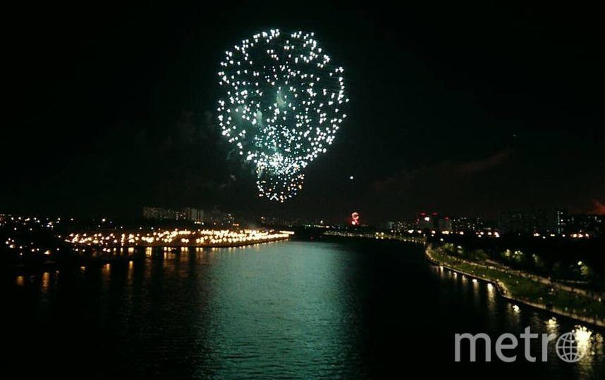 Праздничный салют в честь Дня Победы в Москве. Фото https://www.instagram.com/msk_besenka/