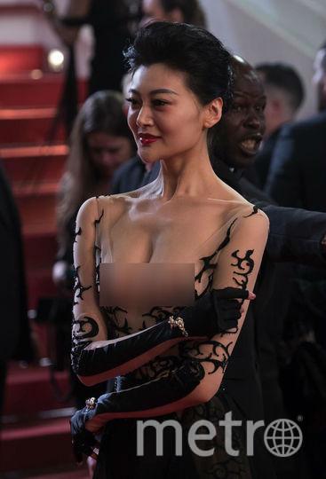 Красная дорожка Каннского кинофестиваля. Гостья из Китая. Фото Getty