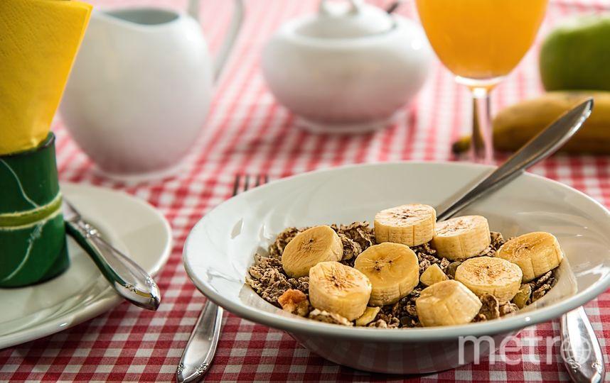 Исследование, проведённое в 2014 году, доказало, что те, кто медленнее ест, сжигают до 10 калорий больше за один приём пищи. Фото Pixabay