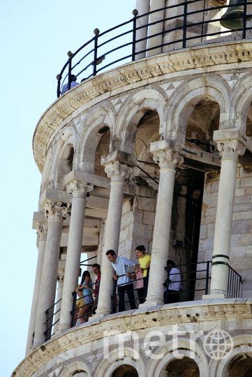 Туристы на смотровой площадке Пизанской башни. Фото Getty
