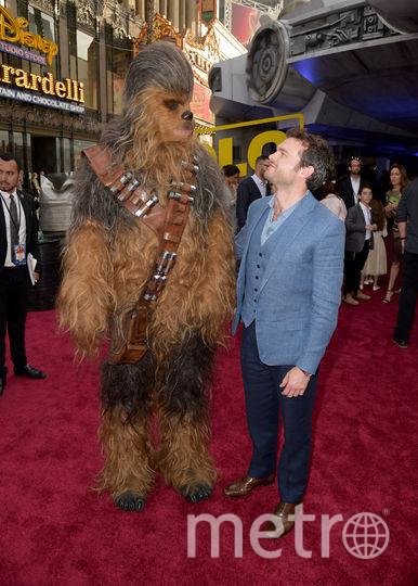 """Фото с премьеры фильма """"Хан Соло: Звёздные Войны. Истории"""". Чубакка и Хан Соло. Фото Getty"""