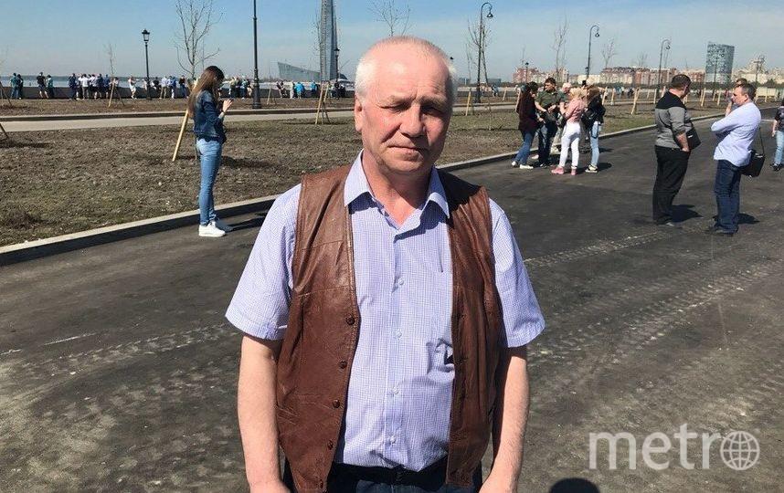"""Игорь Петров, дворник в НИУ ВШЭ, 64 года. Фото """"Metro"""""""