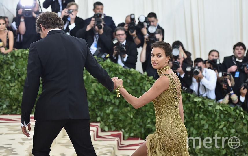 Ирина Шейк и Брэдли Купер на Met Gala-2018. Фото AFP