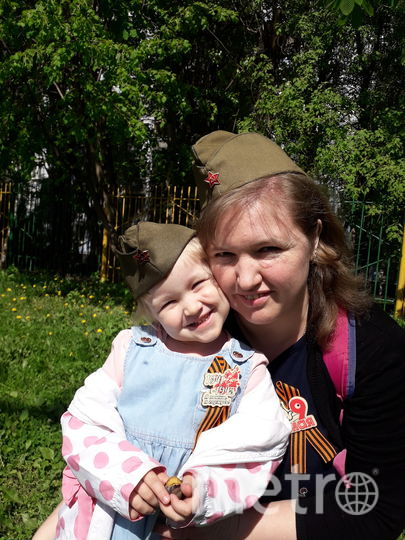 Елена (мама) и Танечка (дочка). Семья Михайловых. Фото Александр