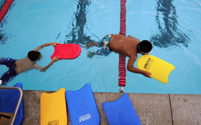 Названа причина, из-за которой мальчик захлебнулся в бассейне в Петербурге. Фото Getty