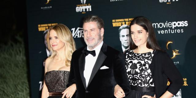 Джон Траволта с женой и дочкой Эллой Блю.