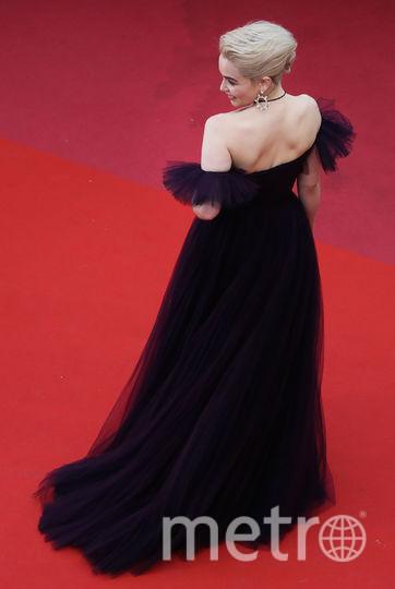 Эмилия Кларк на красной дорожке. Фото AFP
