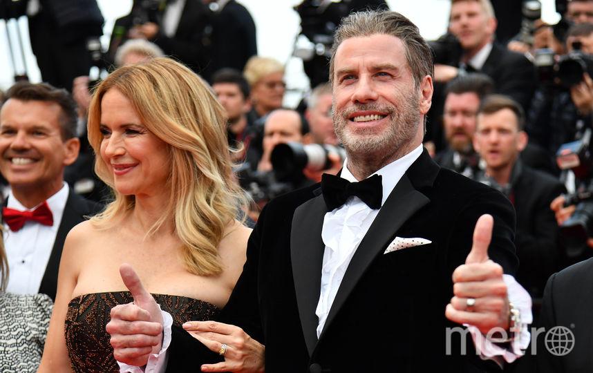 Джон Траволта с семьёй на красной дорожке Каннского кинофестиваля. Фото AFP
