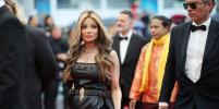 Нестареющая 61-летняя сестра Майкла Джексона в Каннах вызвала фурор: фото