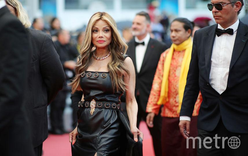 Милла Йовович появилась наКаннском кинофестивале: звезда заметно постарела