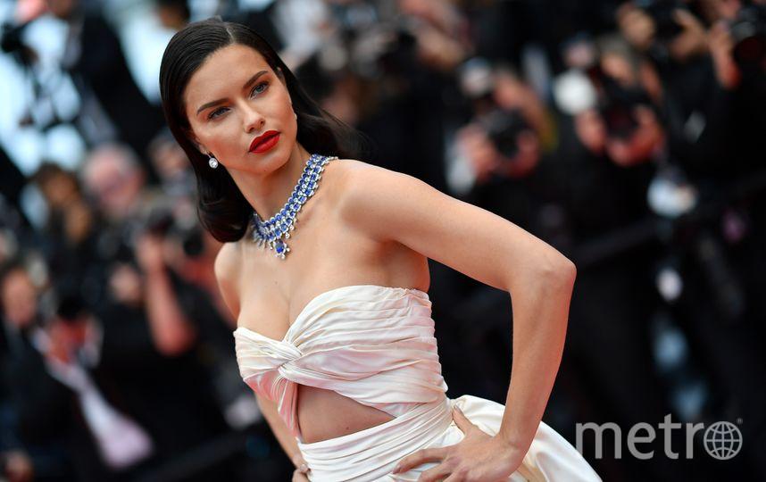 На красную дорожку вышла бразильская модель Адриана Лима. Фото AFP