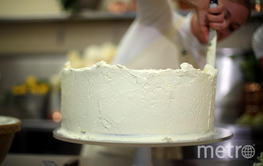 Клэр Птак готовит свадебный торт для принца Гарри и Меган Маркл. Фото Getty