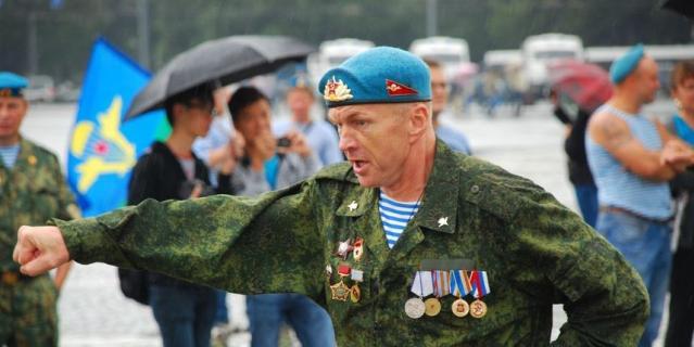 Отец Анны Кабба, тренер по боксу Игорь Рачилин.