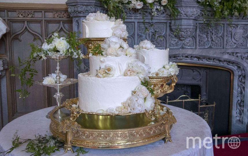 Королевский стол: Торт и другие блюда на свадьбе принца Гарри и Меган Маркл. Фото Getty