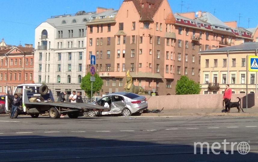 Гражданин Конго устроил ДТП в центре Петербурга. Фото ДТП и ЧП | Санкт-Петербург | Питер Онлайн | СПб, vk.com