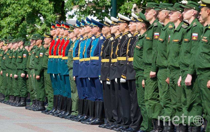 """Торжественная церемония прошла рядом с Могилой Неизвестного Солдата. Фото Василий Кузьмичёнок, """"Metro"""""""