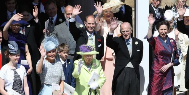 Королева Елизавета II на свадьбе у принца Гарри и Меган Маркл.