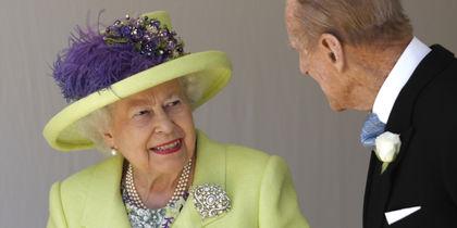 Как выглядела Елизавета II на свадьбах у Гарри и Уильяма. Фото