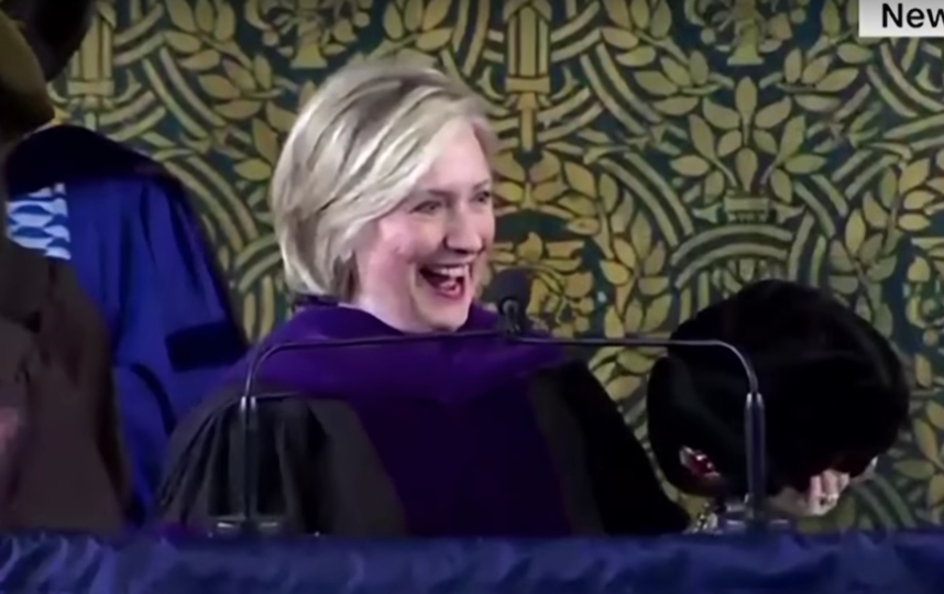 Хиллари Клинтон в Йельском университете. Фото Скриншот Youtube
