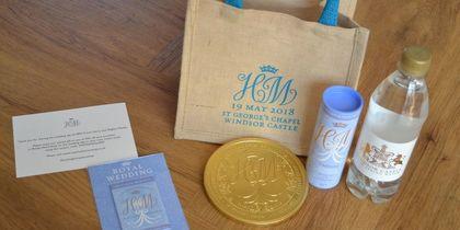 В Сети появились предложения о продаже подарочных наборов со свадьбы принца Гарри