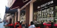 В Петербурге убирают летние веранды и киоски