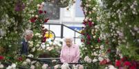 Елизавета II посетила цветочную выставку Chelsea Flower Show. Фото