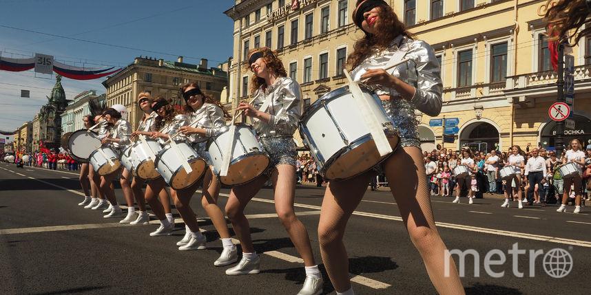 Барабанщики прошли громким парадом по Петербургу и установили рекорд