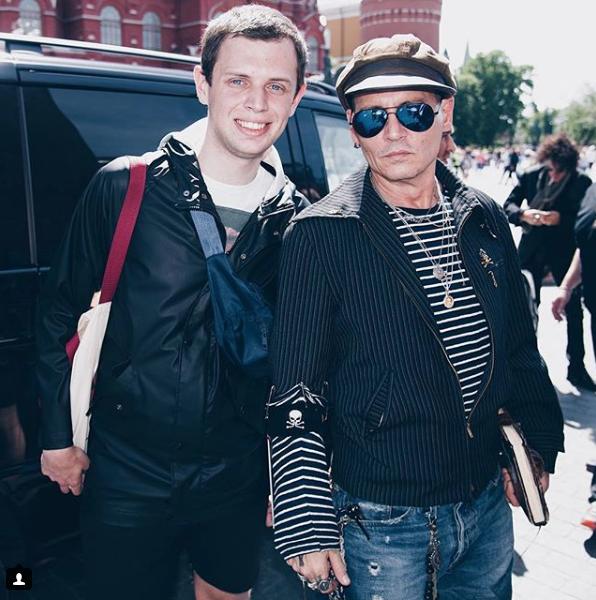Джонни Депп на Красной площади. Фото скриншот https://www.instagram.com/tonyromanov/