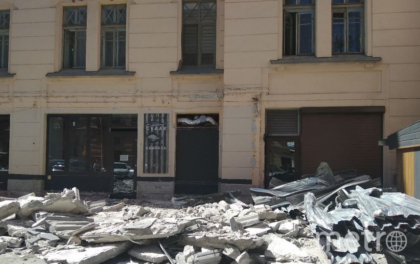 """Эти заведения на Рубинштейна за последнюю неделю лишились значительной части своих площадей. Фото Ольга Рябинина, """"Metro"""""""