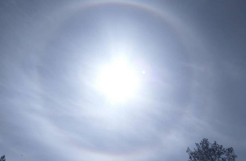 В Петербурге наблюдали круги вокруг солнца - гало.