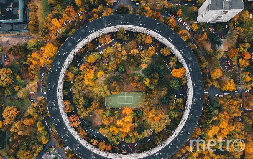 Первый в Москве абсолютно круглый панельный дом на Нежинской, 13. Всего таких домов должно было быть шесть, но в итоге их только два. Фото Instagram @kosmaj_project