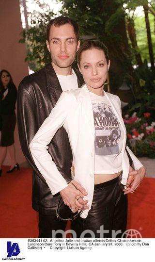 Анджелина Джоли с братом. Фото Getty