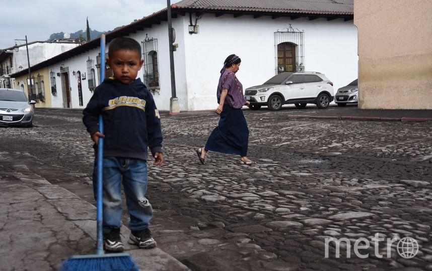 Тысячи людей эвакуированы из района извержения. Фото AFP